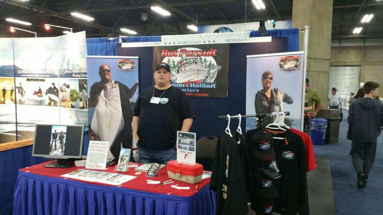 Last day outdoor show with chris at hot pursuit booth